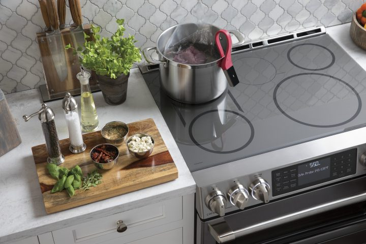 Common Kitchen Design Mistakes: Placing front-controlled Cooktops lower than the countertop