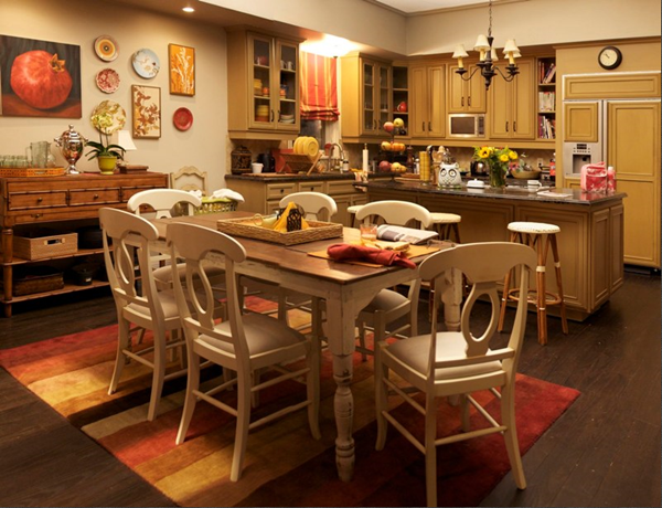 dunphy-kitchen-and-table-modern-family