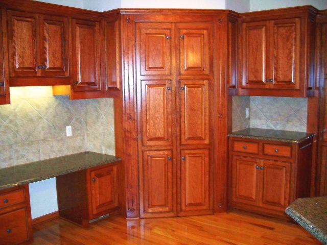 Common kitchen design mistakes: Using a tall cabinet in a corner