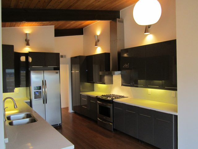 Tips for a better IKEA kitchen design: combined landing areas