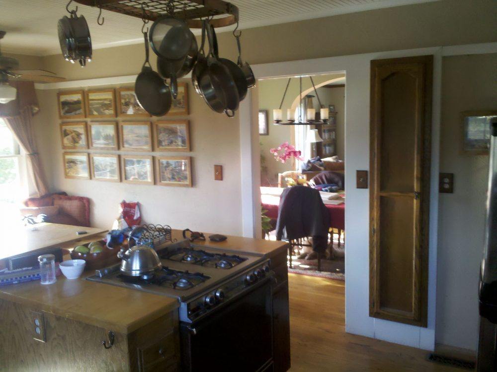 The home has a separate dining room, there's no need for an additional dining table in the kitchen.