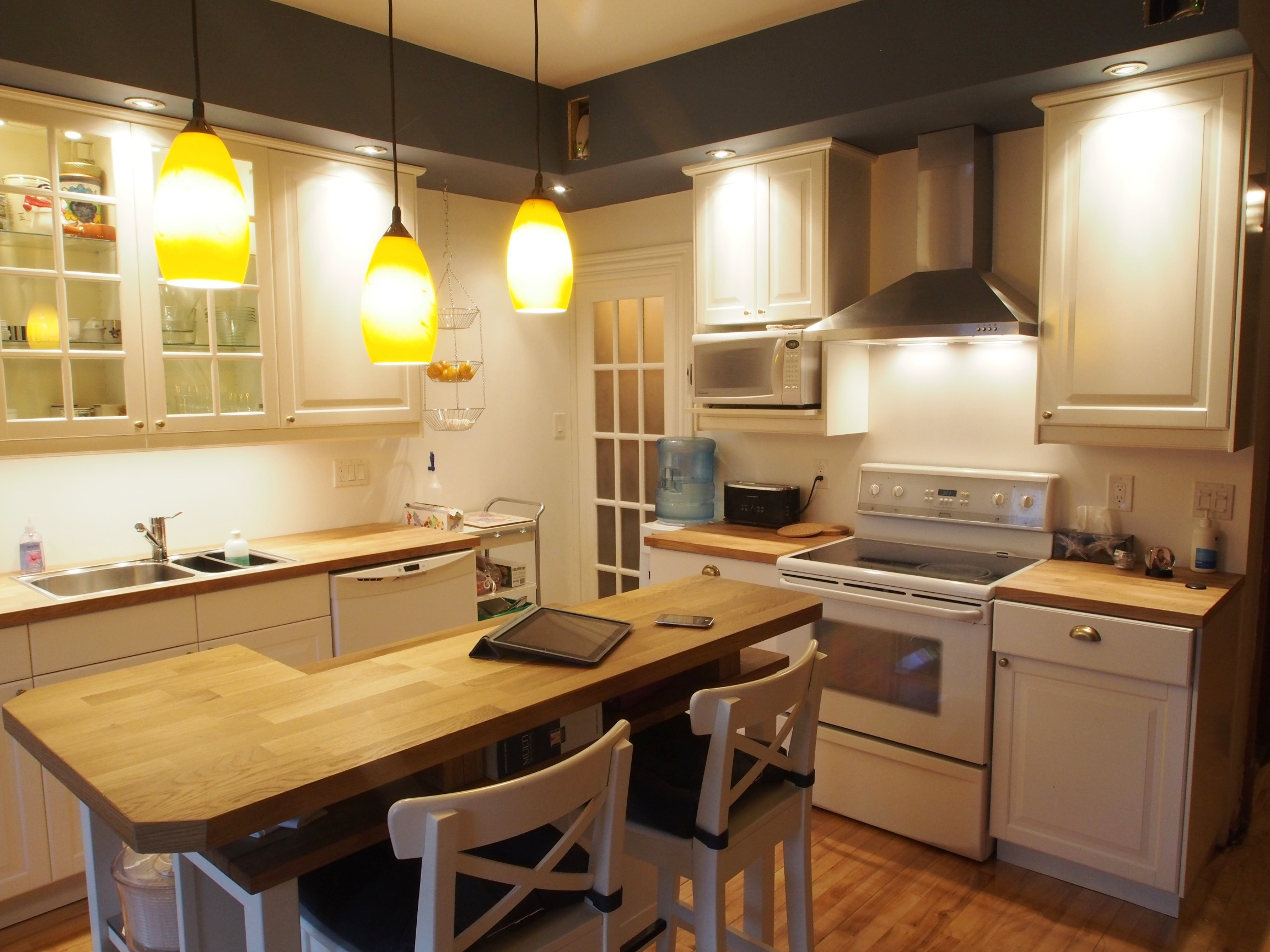 Ikd kitchen favorite the cozy family ikea kitchen for Inspired kitchen design