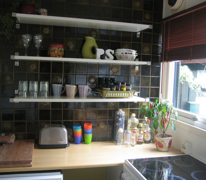 Open Shelving In The Kitchen: The Pros And Cons Of Open Shelving In The Kitchen