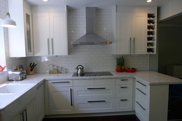 Hoher Apothekerschrank Ikea ~ The extractor hood is from Z Line, but IKEA's LUFTIG extractor hood