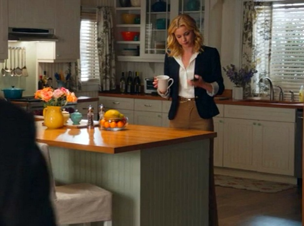 Famous kitchens with ikea as seen on tv show revenge for Show kitchen design