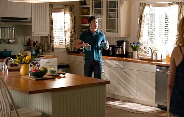 famous kitchens with ikea as seen on tv show revenge. Black Bedroom Furniture Sets. Home Design Ideas