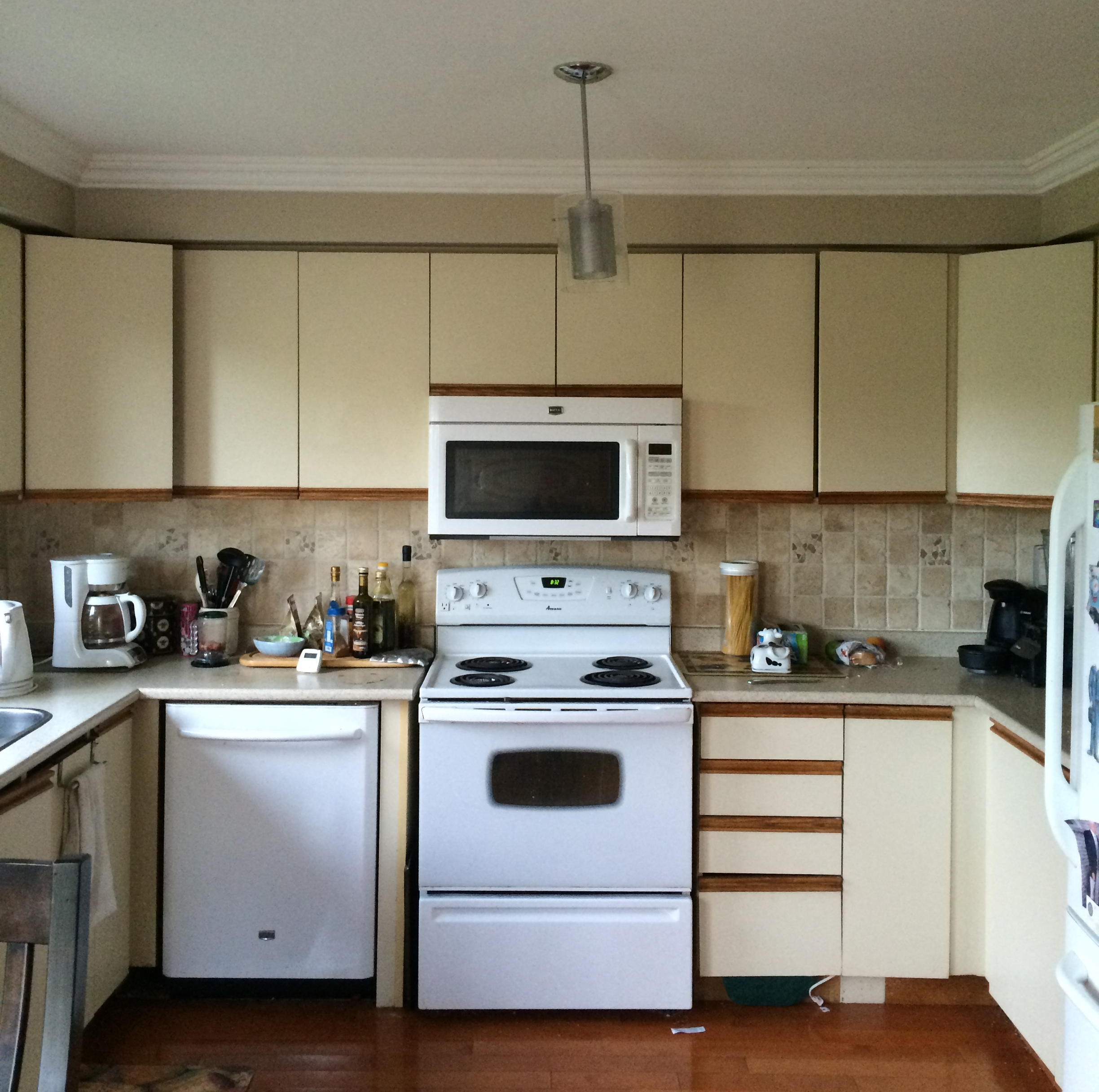 A refreshing ikea facelift for a canadian kitchen for Kitchen cabinets ikea