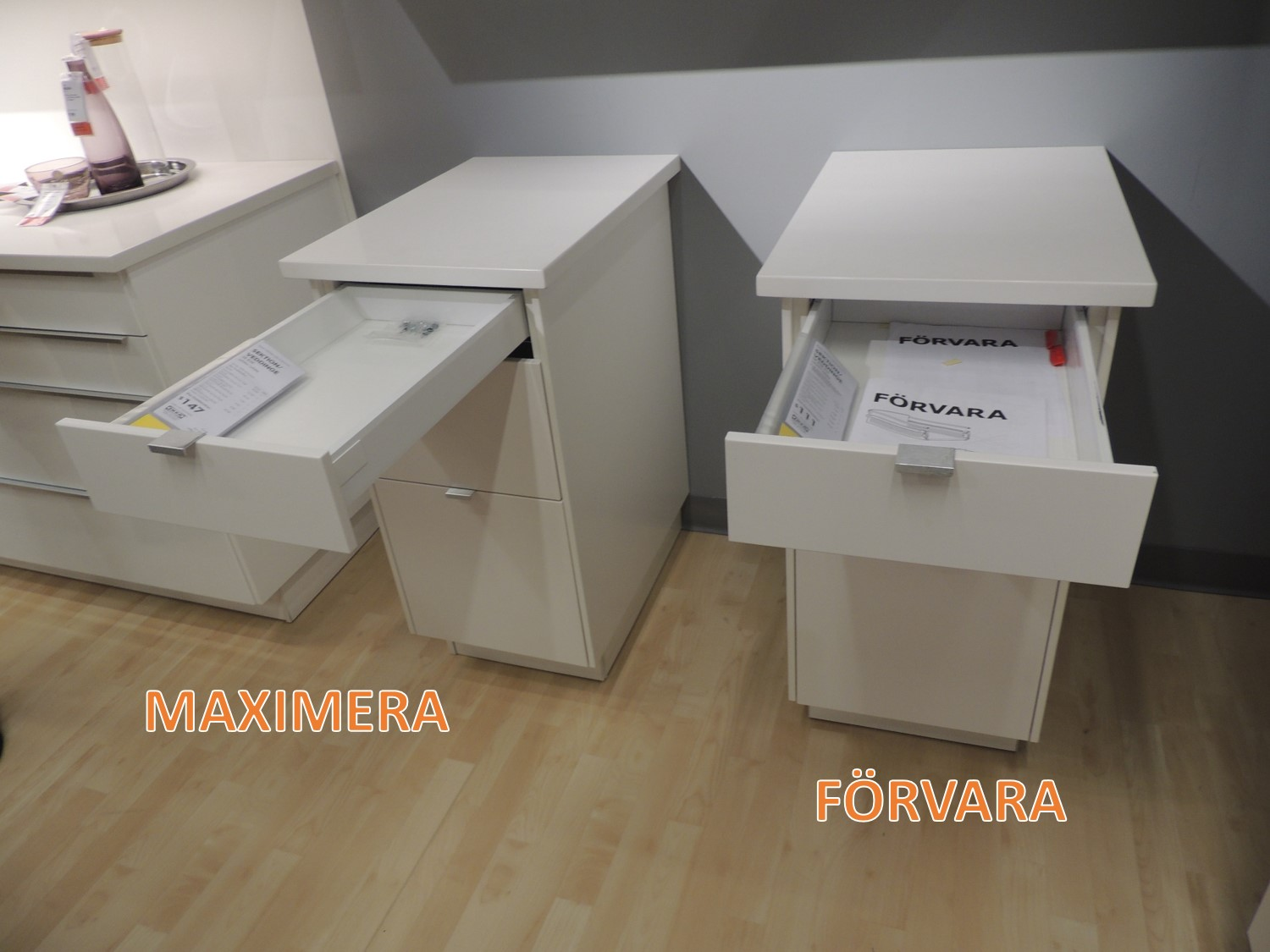 The difference between ikea s two different kitchen drawer for Kitchen cabinets vs drawers
