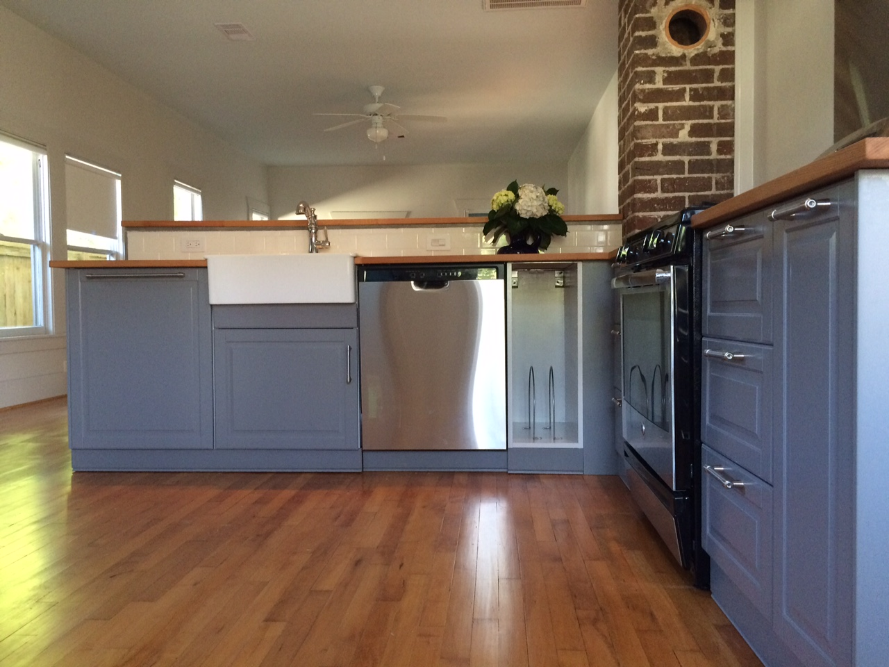 An ikea kitchen renovation saves this 1920s bungalow home for Bungalow style kitchen cabinets
