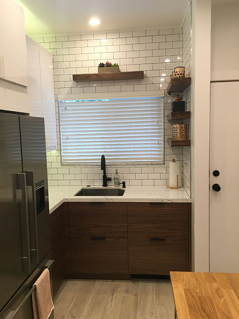 A Small IKEA Kitchen? Let\'s Get Vertical, Vertical
