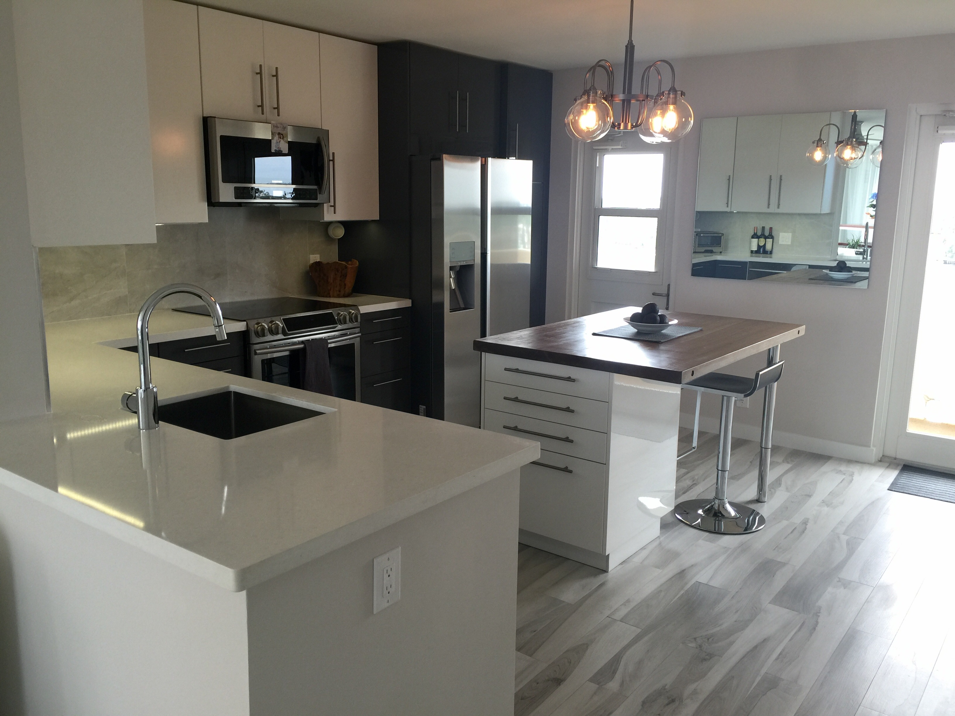 Design flair for a high rise condo ikea kitchen for Ikea cyber monday 2016