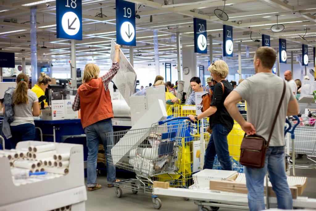 IKEA customers at kitchen sale